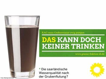 Glas mit Grubenwasser